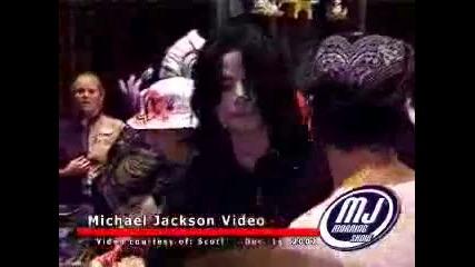 Майкъл и семейство Cascio в Дисни - Флорида - 2002 год.