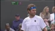 Тенисът е опасен за околните!