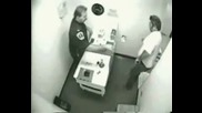 Пиянка в полицейския участък