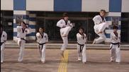 Корейските Тигри Taekwon-do демонстрация !