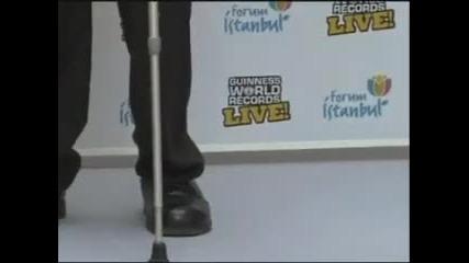 най високия човек в света (247 см) се среща с най ниския (74 см)