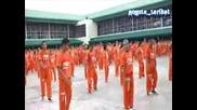 Затворници Танцуват Яко На Macarena