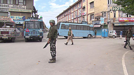 India: Srinagar remains deserted amid reports of eased curfew in Kashmir