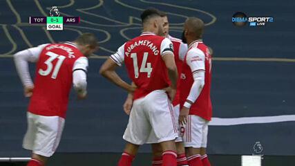 Свиреп шут на Лаказет поведе Арсенал срещу Тотнъм