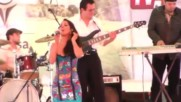 Ivonne Ley cantando