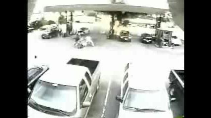 Пожар На Бензиностанция