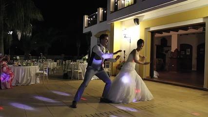 Вижте един първи сватбен танц, който разцепи социалните мрежи и събра милиони гледания!