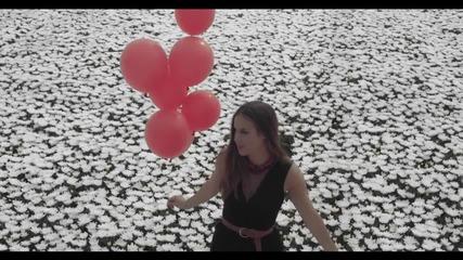 Svava - Flown ( Official Video)