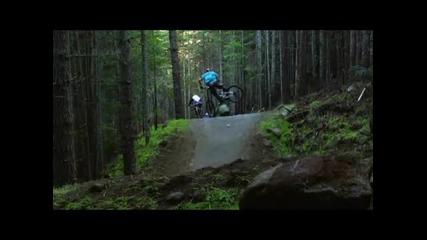 Mountain Bike Downhill 2010 Много добри. Трябва да се видят