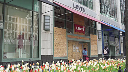 USA: Chicago stores seen boarded up following Chauvin guilty verdict