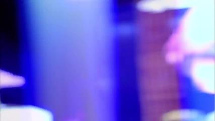 Enrique Iglesias ft. Dev - Naked ( Официално видео ) + Превод