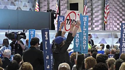 USA: Sanders supporters continue to protest in DNC despite Clinton's nomination