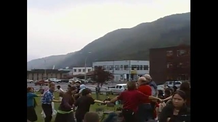 Американци денсят Бг хоро в Аляска