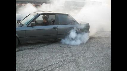 Адски Burnout На bmw E30