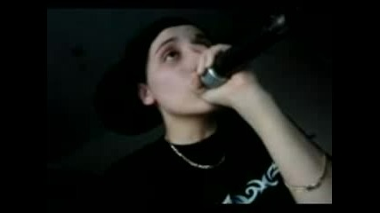 Beatbox - Момиче пее и прави бийт едновременно