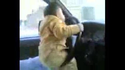 Бебе кара кола С Задника Си!