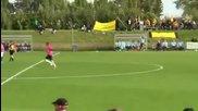 Вратар вкара невероятeн гол със задна ножица в 90 минута