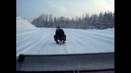Дърпане на шейна с кола(шалът му се вей) - Габрово