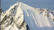 Скиор оцеля по чудо след падане от 500 метра височина в планина в Аляска!