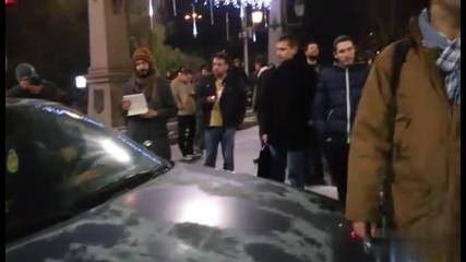 Напрежение между шофьор и протестиращи