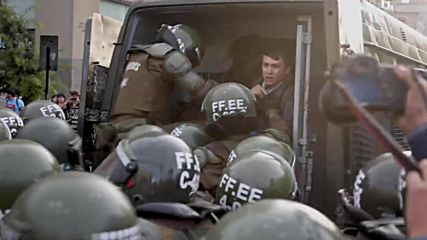 Chile: Santiago police unleash water cannons at Mapuche protest
