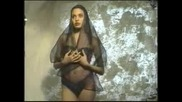 Анджелина Джоли на 16гд. в първите и пробни снимки и видео