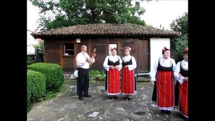 Гледайте очи фолклорна група от град Средец