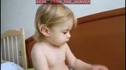 Това Бебе Вече Е Запознато С Метъла ! - Смях