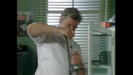 Benny Hill - Doctor Octor