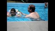 Първи уроци по плуване