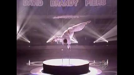 Americas Got Talent - Невероятно изпъление на ръце