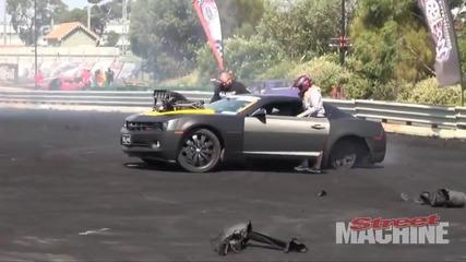 Chevrolet Camaro си къса гумите !