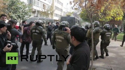 Chile: Violent arrests made as clashes erupt at Santiago teachers strike