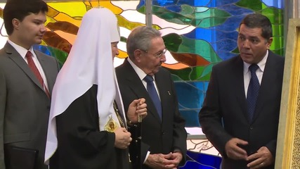 Cuba: Patriarch Kirill and Castro exchange gifts in Havana