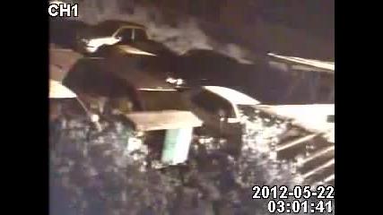 Земетресението в София 03:00 заснето от камера