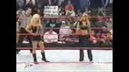 Триш Отново В Raw!!! [триш И Лита Пребиват Джилиан]