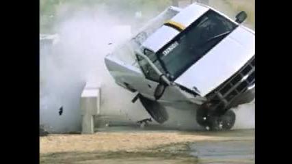 Slow Motion - Crash Test
