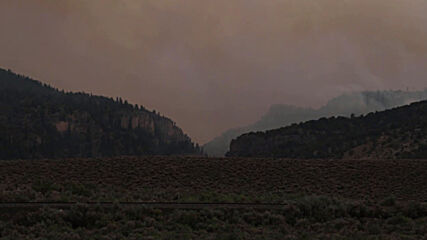 USA: Strong winds reignite CalWood fires in Colorado