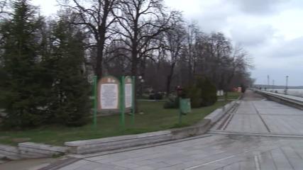Пусти улици, затворени заведения, изоставени магазини във Видин