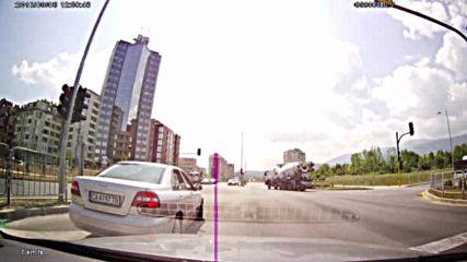 """""""Моята новина"""": Забранен обратен на червен светофар"""