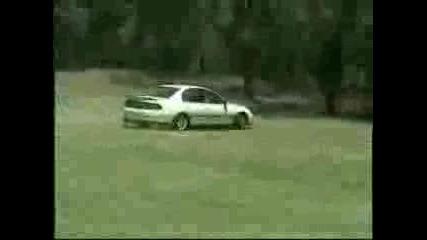 Drifting - On - Grass - Oz - Destruction