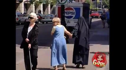 Помогни на слепеца - Скрита камера