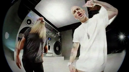 Eminem - Berzerk (official video) краля се завърна!