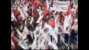 Сблъсъци между полиция и демонстранти в Турция заради шествия по повод Деня на републиката