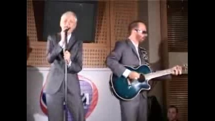 Eurythmics ~ Here Comes The Rain Again Acoustic 2005