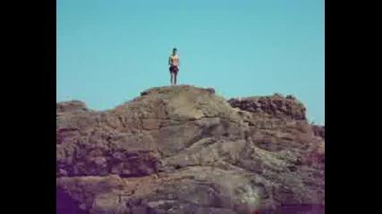 Скачам Главичка От Скалите В Ахтопол