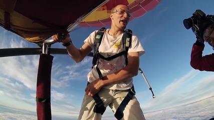 Екстремно луди! С главата надолу без парашут!