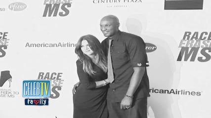 Khloe Kardashian & Lamar Odom Sign Divorce Docs
