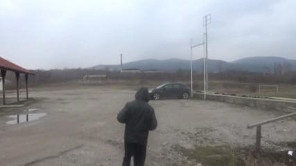 Откраднах колата на Веско докато тичаше, шега.
