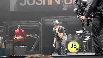 Justin Bieber пее Pray на Soundcheck на живо в Торонто но 23.11.2010